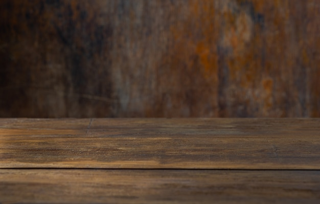 オブジェクトをモンタージュするための素朴な背景テーブル Premium写真