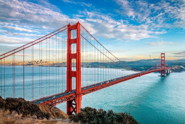 サンフランシスコのゴールデンゲートブリッジ Premium写真