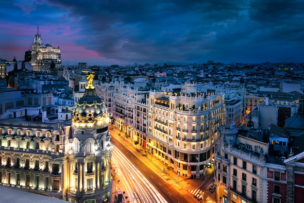 マドリード市内中心部、グランヴィススペイン Premium写真