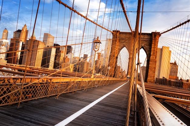 ニューヨーク市のブルックリン橋 Premium写真