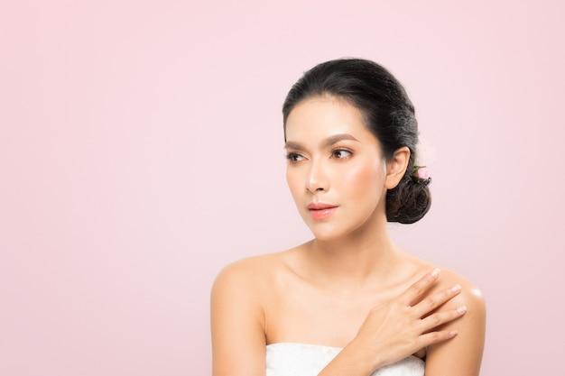 美しさの女性の肖像画 Premium写真