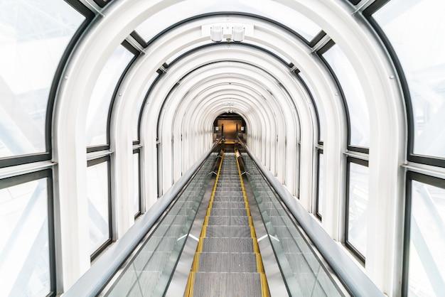 フローティングガーデン天文台のエスカレーター 無料写真