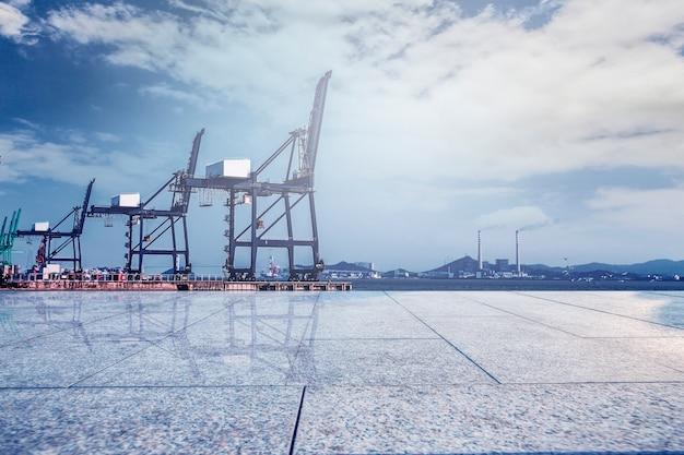 コンテナターミナル?埠頭、輸送 無料写真