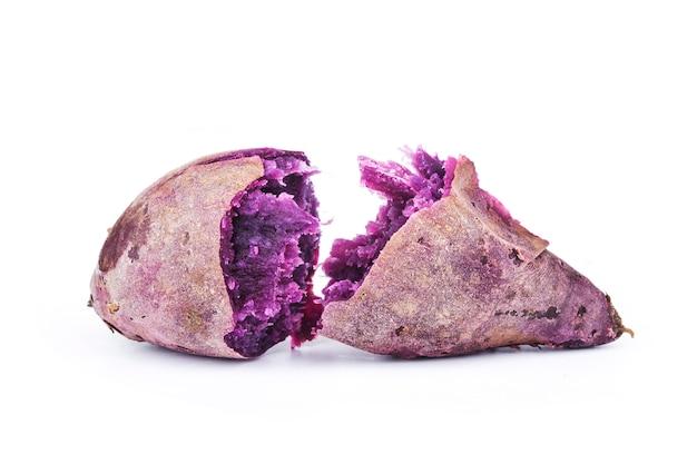 白地に紫のさつまいも Premium写真