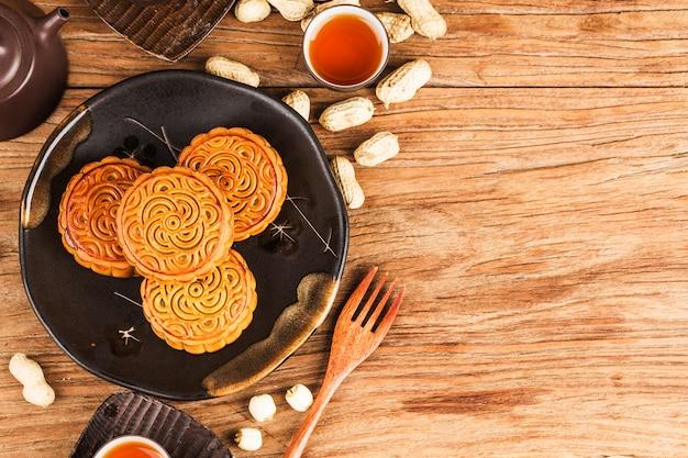中秋節中国の伝統的なペストリーの月餅 Premium写真