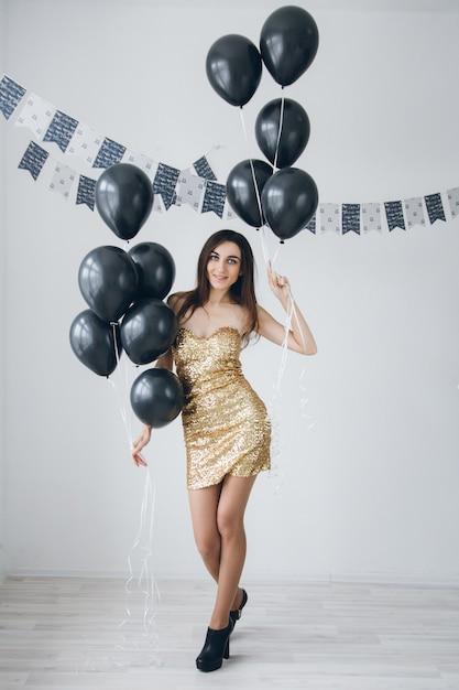 внешность сочетании фото моделей с черными воздушными шариками хотите разбираться