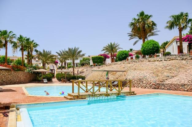 エジプトのホテルで美しいアラビアの日。シャルム・エル・シェイク。 Premium写真