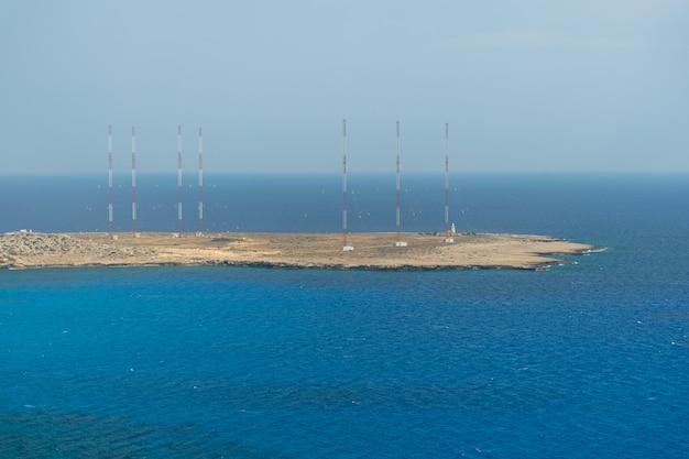 地中海沿岸の山の頂上からの美しい景色 Premium写真