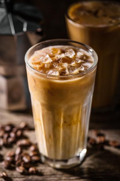 アイスとクリームの冷たいコーヒー 無料写真