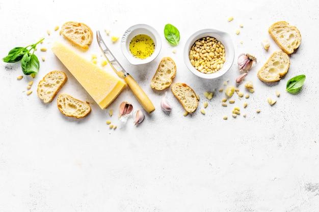 ペストとチャバタのパンのための原料 Premium写真