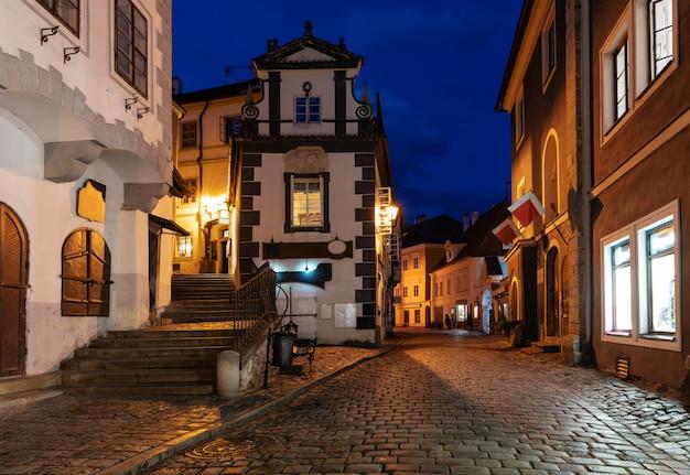Старый город чешский крумлов в чехии Premium Фотографии