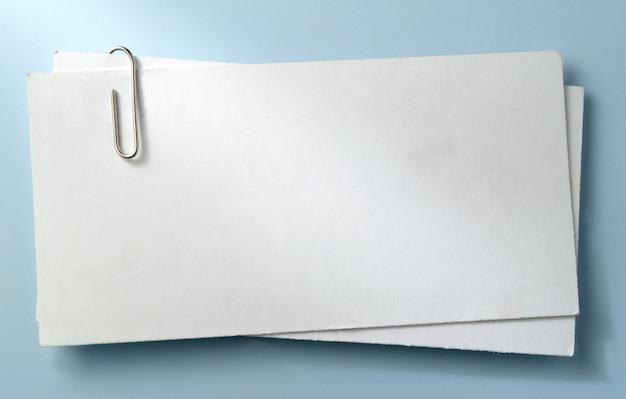 紙の白いシート Premium写真