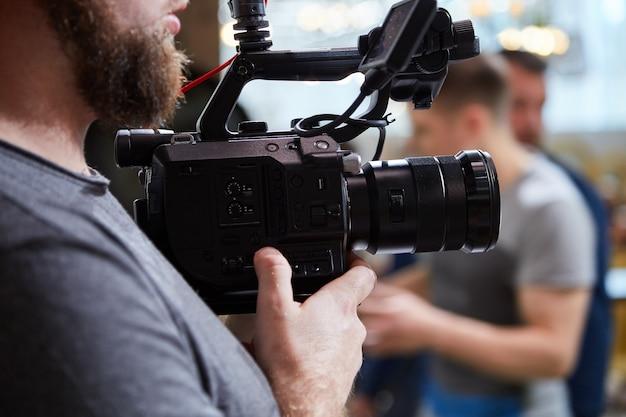 За кулисами съемок фильмов или видеопродукции и съемочной группы съемочной группы Premium Фотографии