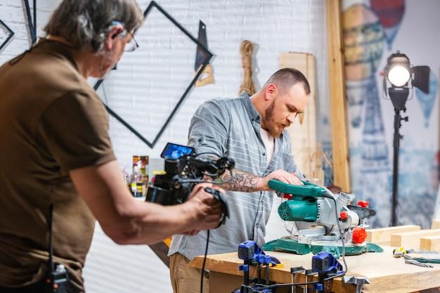 За кулисами производства для операторской съемки видео оборудования Premium Фотографии