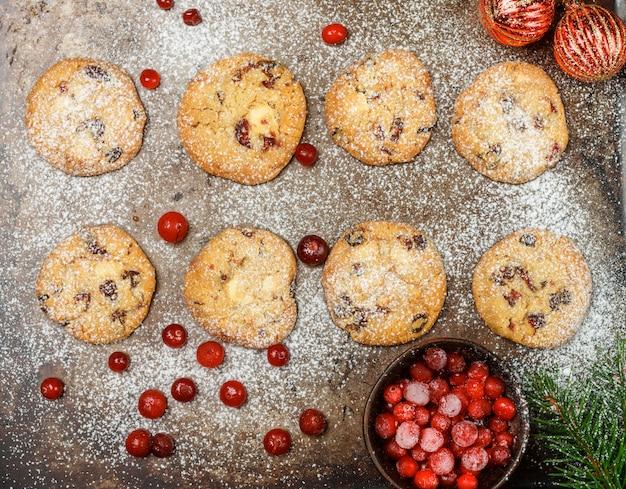 クランベリー(クベリー、リンゴンベリー)クッキー Premium写真