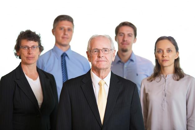 Передняя команда молодой генеральный директор компании спокойна Бесплатные Фотографии