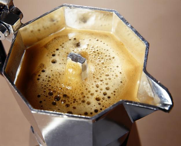 Свежеприготовленный кофе Premium Фотографии