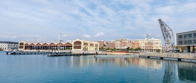 バレンシアの港 Premium写真