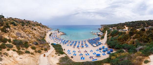 キプロスのコノス湾 Premium写真