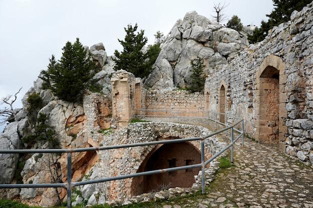 都市の古い古代建物 無料写真