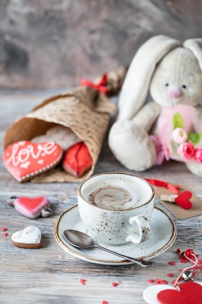 ジンジャーブレッドクッキー、コーヒーとバニー Premium写真