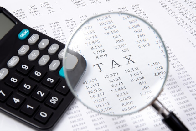 Калькулятор на финансовой диаграмме, финансовой. Premium Фотографии