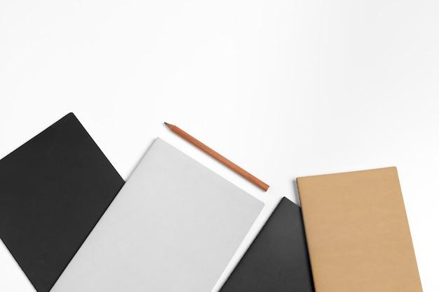 コーポレート・アイデンティティ、空白のひな形セット。ブランディングのモックアップ Premium写真