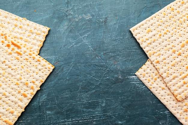 Традиционный еврейский хлеб мацы Premium Фотографии