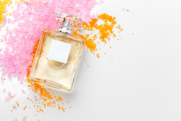 エレガントな女性の香水の背景 Premium写真