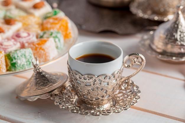 Традиционный турецкий кофе Premium Фотографии