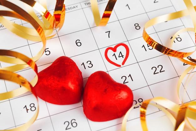 Календарь с днем святого валентина Premium Фотографии