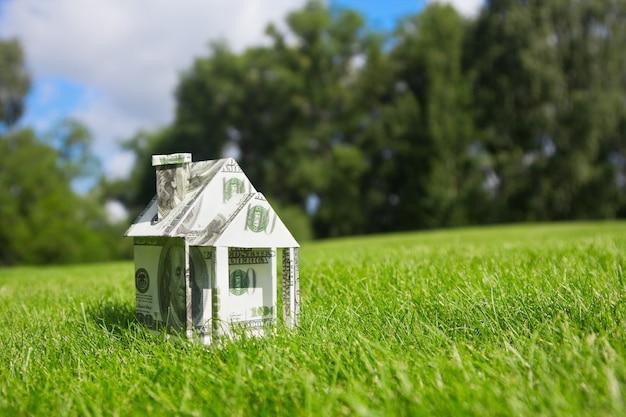 新しい家のためのお金 Premium写真