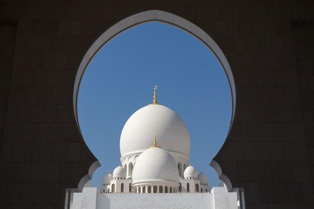アブダビのシェイクザイードモスク Premium写真