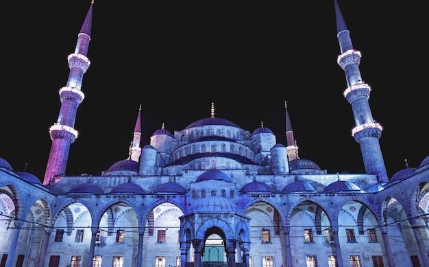 イスタンブールのブルーモスク Premium写真