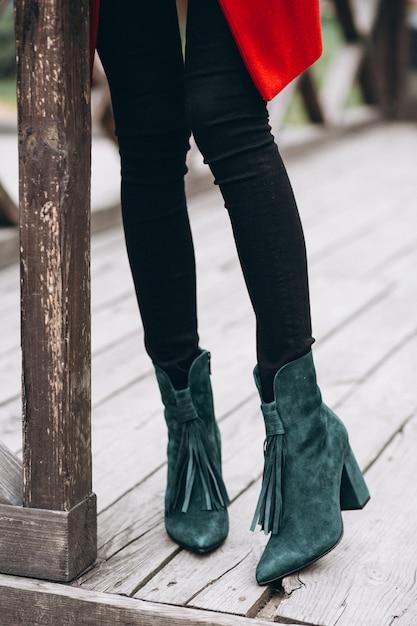 女性の靴をクローズアップ 無料写真
