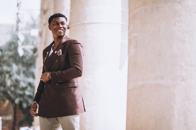 アフリカ系アメリカ人のビジネスマンのスーツ 無料写真
