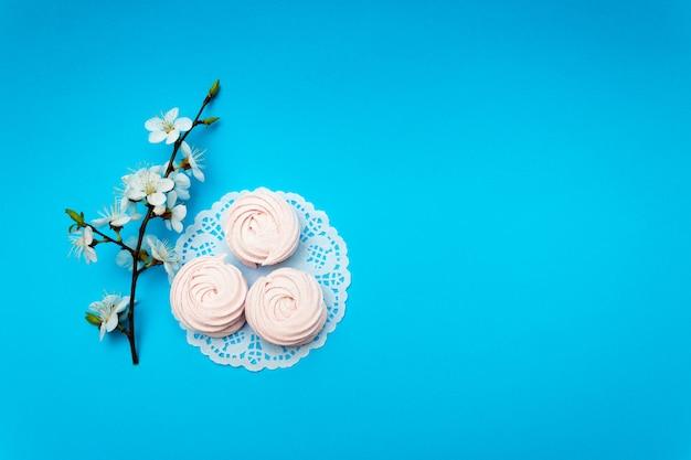 桜、マシュマロチェリー。 Premium写真