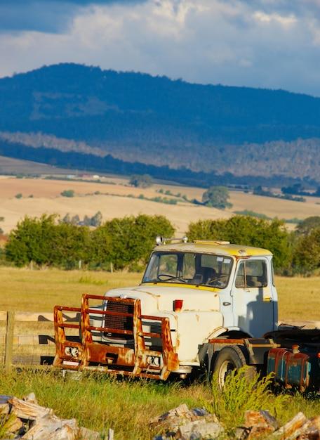 田舎の古いトラック 無料写真