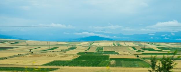アジュリアン山の風景 Premium写真