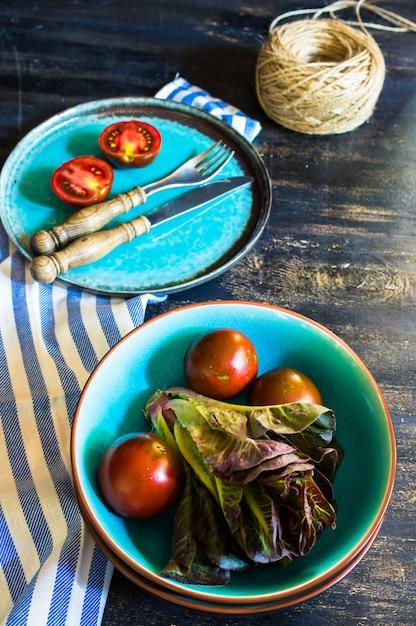 夏のサラダ用野菜 Premium写真