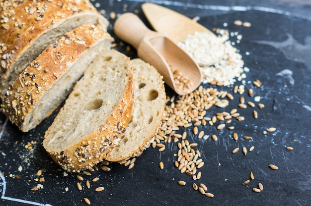 Другой тип хлеба Premium Фотографии