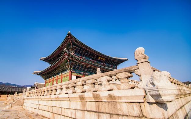 韓国ソウルの美しい寺院。 Premium写真