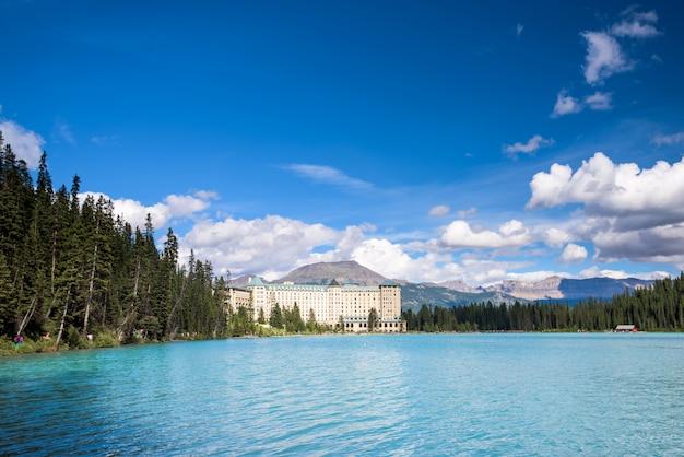カナダ、バンフ国立公園、レイクルイーズ Premium写真
