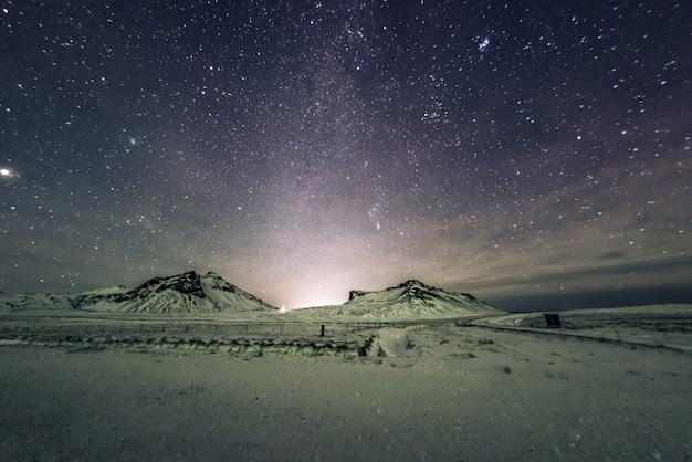 天の川の夜空 Premium写真