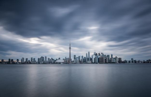Горизонт торонто, онтарио, канада Premium Фотографии
