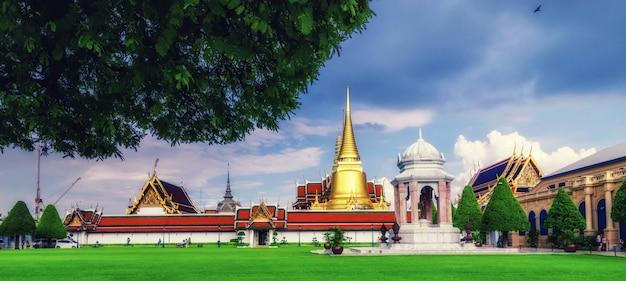 ワットプラケオ寺院、バンコク、タイ Premium写真