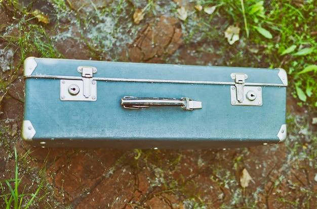 古い旅行スーツケース Premium写真