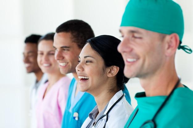 ハッピー国際医療チーム Premium写真