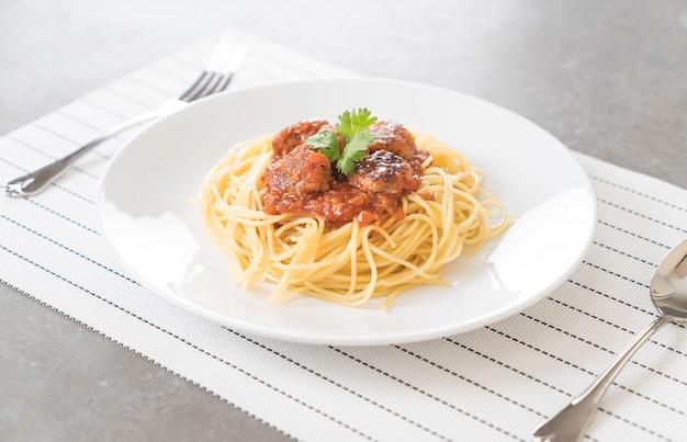 スパゲッティとミートボール 無料写真