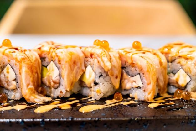 Суши с лососем Premium Фотографии